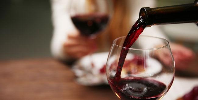 Kieliszek wina czerwonego
